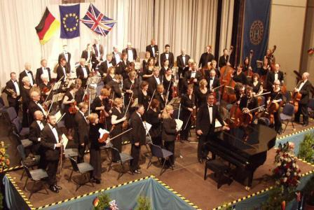 Henley Symphony Orchestra plays at Leichlingen, 2005